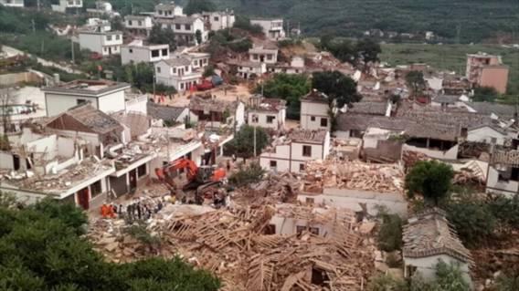 Sáng 4/8: 379 người chết trong vụ động đất kinh hoàng TQ