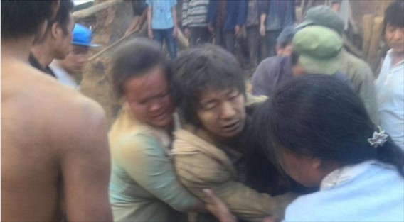 Truyền thông nhà nước Trung Quốc thông báo quân đội đã điều động 2.500 binh sĩ đến vùng bị thiên tai vào tối hôm 3/8, cùng hơn 300 cảnh sát và lính cứu hỏa tăng viện từ thành phố Chiêu Thông.