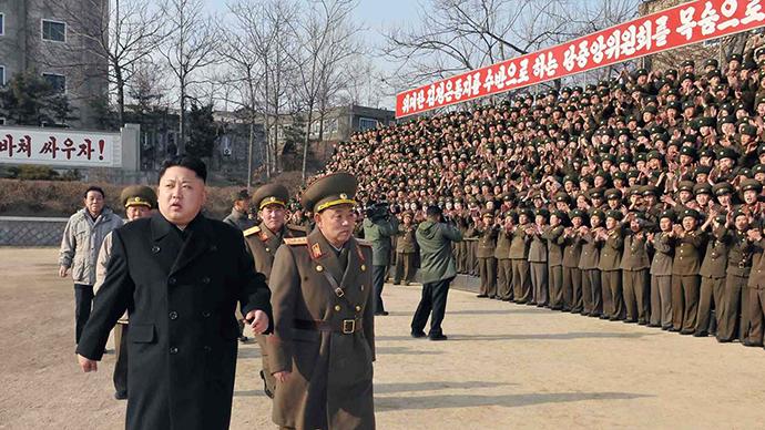 Hình ảnh không ghi ngày tháng được công bố trên trang chính thức Thông tấn xã Trung ương Triều Tiên ngày 12/1. Trong ảnh là lãnh đạo Triều Tiên, Kim Jong-un, đang kiểm tra sở chỉ huy của Quân đội Nhân dân Triều Tiên (KPA) Đơn vị 534. (Ảnh internet)
