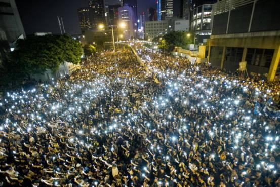bieu-tinh-o-hongkong-10-3200-1412067818.
