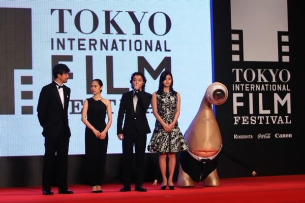 Kim Soo Hyun được vinh danh là diễn viên xuất sắc nhất châu Á tại LHP Tokyo 8
