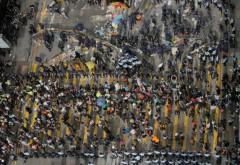 Quang cảnh đụng độ xảy ra giữa cảnh sát và người biểu tình (Ảnh Internet)