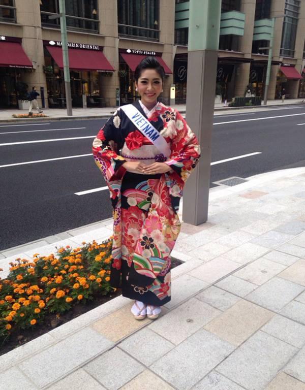 Đặng Thu Thảo xinh đẹp với Kimono tại Miss International 1