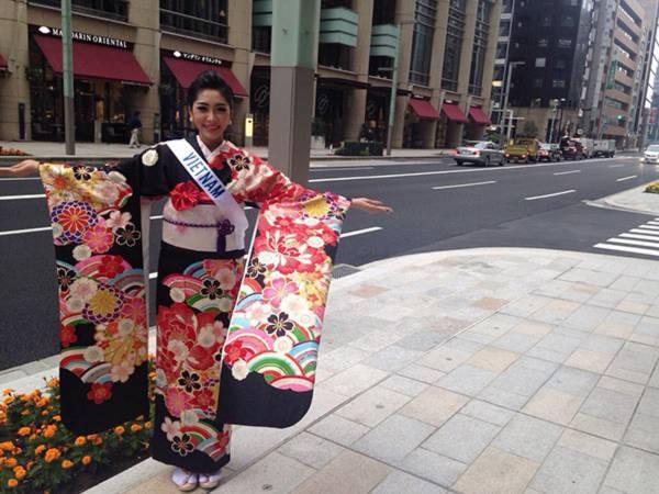 Đặng Thu Thảo xinh đẹp với Kimono tại Miss International 2