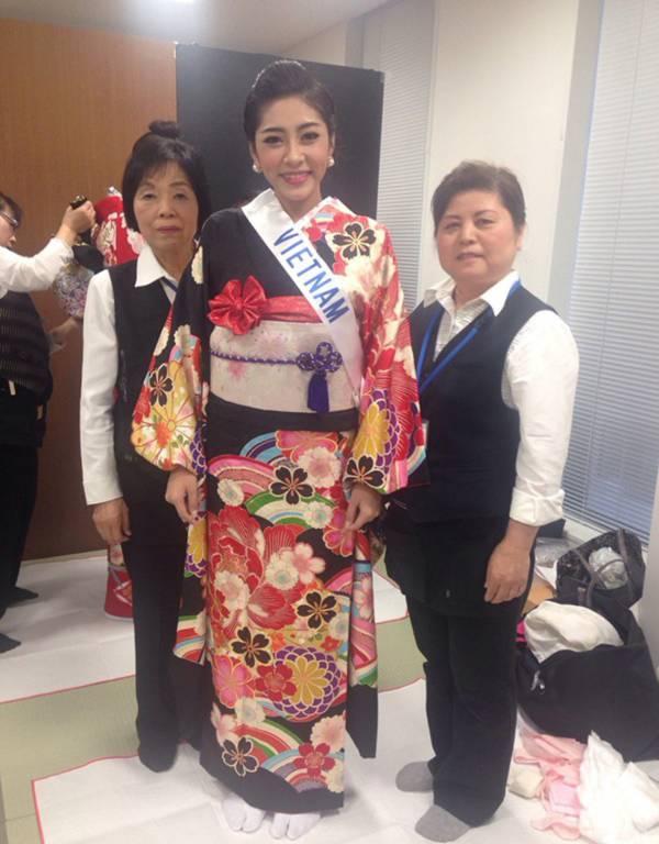 Đặng Thu Thảo xinh đẹp với Kimono tại Miss International 7
