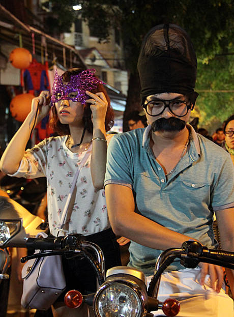 Lễ hội ma cũng là dịp để các cặp đôi dành thời gian cho nhau sau những ngày làm việc bận rộn