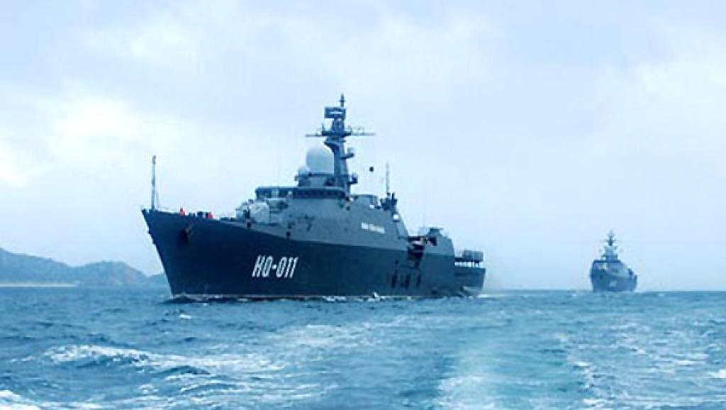 Chiến hạm Đinh Tiên Hoàng của Việt Nam trên Biển Đông. Bắc Kinh biến đảo Gạc Ma thành tiền đồn của Trung Quốc tại Trường Sa - DR