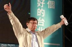 Ông Kha Văn Triết, ứng cử viên độc lập, đã dành chiến thắng trong cuộc bầu cử thị trưởng ở Đài Bắc vào ngày 29/11/2014. Mối quan hệ nồng ấm giữa Đài Loan với Trung Quốc đang được bỏ ngỏ sau khi đảng cầm quyền Đài Bắc thân Bắc Kinh thất bại lớn sau các cuộc bầu cử địa phương. (Ảnh: Internet)
