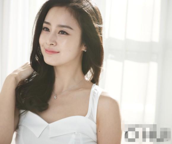 Kim Tae Hee đẹp long lanh trong loạt ảnh mới dù đã ngoài 30 1