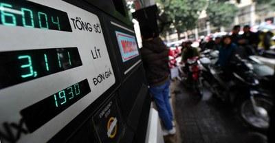 Một trạm bán xăng dầu tại Hà Nội, ảnh minh họa chụp trước đây.