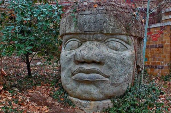 Đầu đá của người Olmec