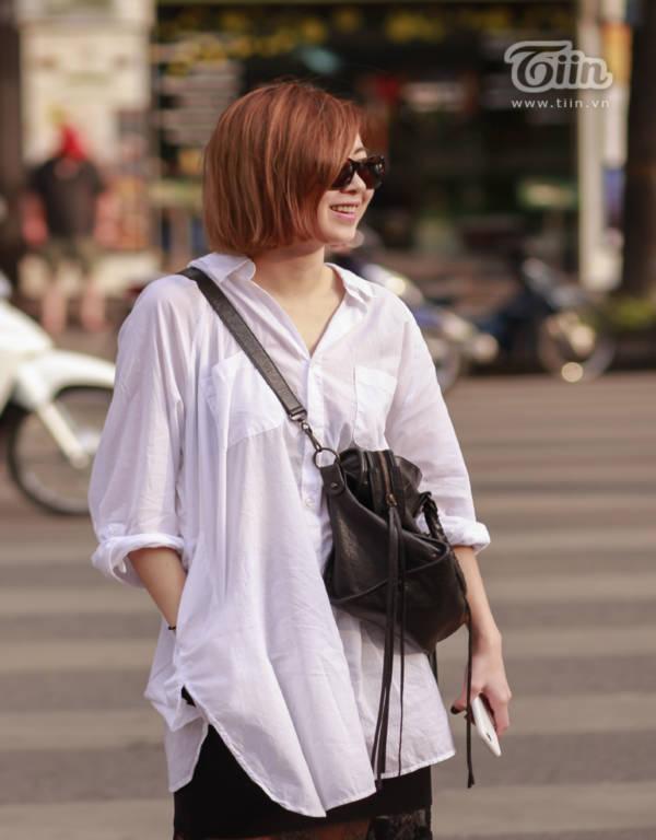 Hà Nội nắng nóng, giới trẻ 'đổi gió' thời trang
