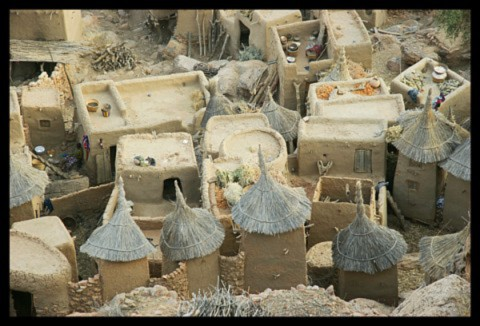 A Dogon village. (Dario Menasce/Wikimedia Commons)