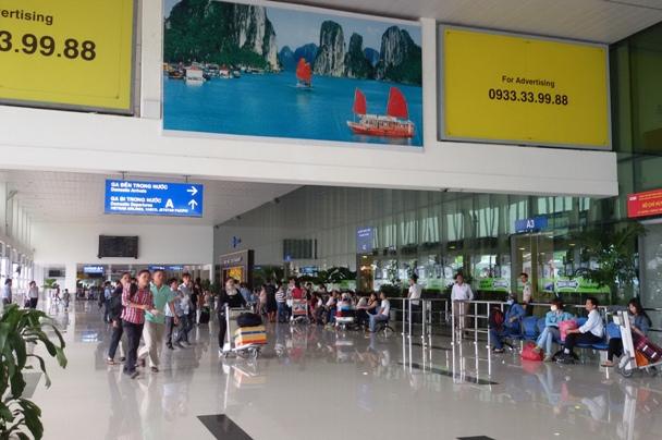 Năm 2015, Sân bay Tân Sơn Nhất sẽ đón gần 90.000 chuyến với 11,5 triệu hành khách (Ảnh: Lan Hương)