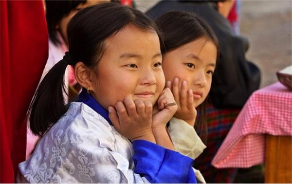 hoc sinh bhutan 1