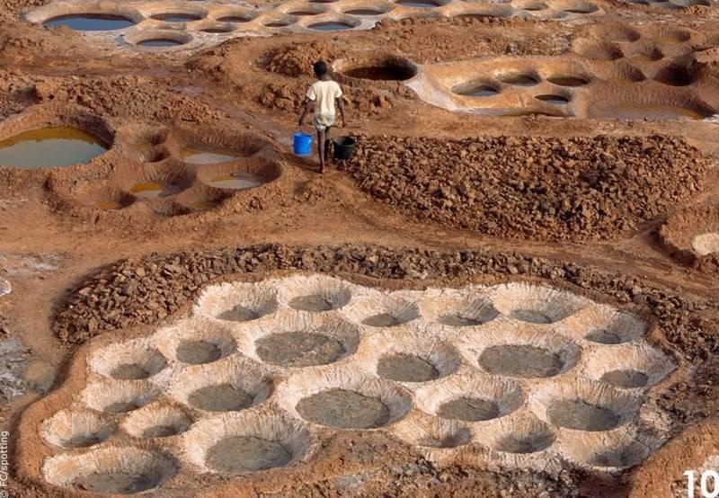 """Cánh đồng muối đất sét """"độc nhất vô nhị"""" ở sa mạc Sahara - 9"""
