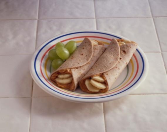 Bánh cuộn chuối thơm lừng bổ dưỡng
