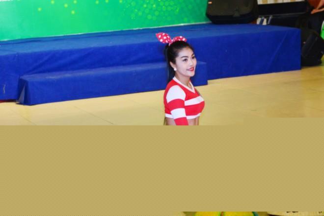 14. Trần Thị Kim Vàng_Vẽ trên nón lá