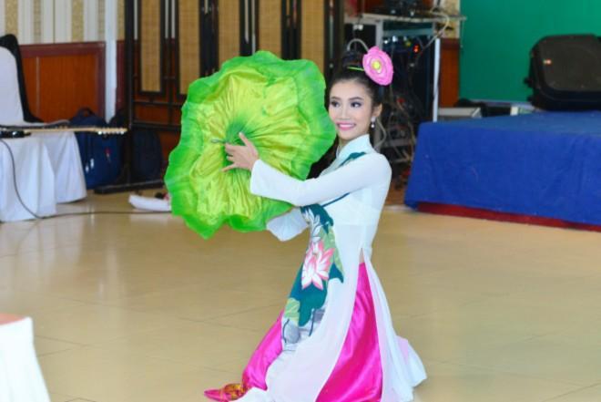 13. Nguyễn Trần Thiên Hà_Belly dance