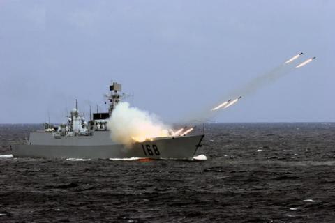 Trong cuộc tập trận 10 ngày trên biển Đông, Trung Quốc đã rải các thiết bị săn ngầm dưới đáy biển