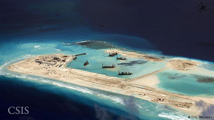 Trung Quốc đang tăng tốc xây dựng tại 7 bãi đá thuộc quần đảo Trường Sa của Việt Nam (Ảnh: CSIS)
