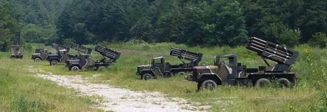 Quân đội Hàn Quốc triển khai hệ thống phóng rốc két gần biên giới liên Triều - Ảnh: Reuters