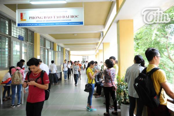 TPHCM 2 ngày kết thúc xét tuyển vẫn không biết chọn trường nào