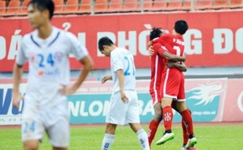 "vong 19 v-league 2015: ""song ma"" quyet liet, hagl cung duong hinh 2"