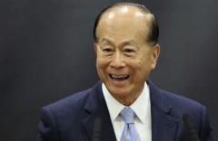 Ông Lý Gia Thành, tỷ phú giàu nhất châu Á, trên thực tế đã bắt đầu thoái vốn khỏi Trung Quốc từ năm 2011 khi dự đoán trước bong bóng bất động sản và những bất lợi trong chính sách ở đây đối với nhà đầu tư hải ngoại.