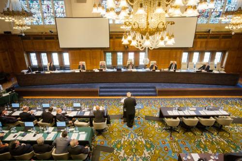 PCA lắng nghe luận điểm của Philippines trong phiên điều trần hồi tháng 7. Ảnh: Rappler