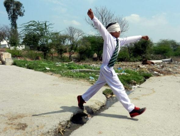 Vikas Panchal, Midbrain Activation, chuyện lạ, Bài chọn lọc, Ấn Độ,