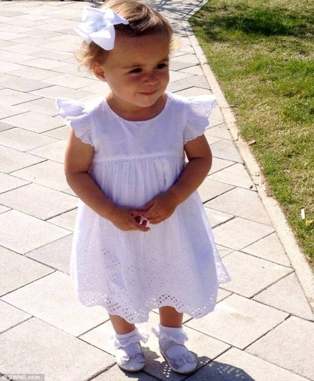 Bé Lacey 2 tuổi