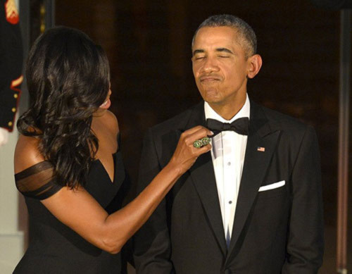 Khoảnh khắc đẹp của vợ chồng Obama trong 23 năm chung sống