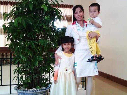 Nước mắt cha mẹ tìm con trai 3 tuổi nghi bị bắt cóc - 1