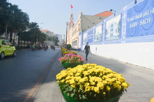 Cả nước rực rỡ cờ hoa đón Tết Dương lịch 2016 - 14