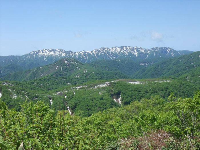 Vùng núi Shirakami (tiếng Việt: Bạch thần sơn địa) còn có tên gọi khác là núi Kosai, nằm ở phía bắc đảo Honshu.