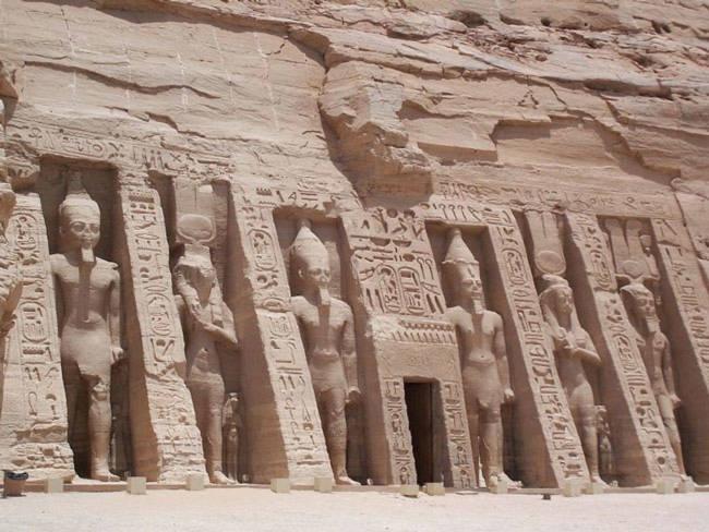 Các di tích Nubian từ Abu Simbel đến Philae - Ai Cập