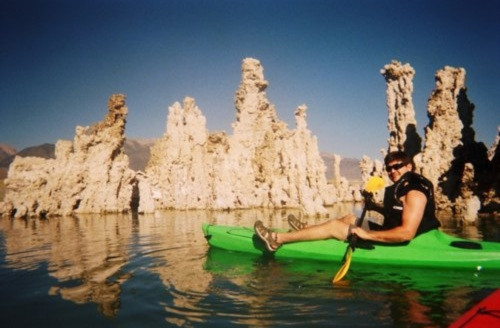 Hồ Mono là nơi ưa thích của những ai yêu thích khám phá khoa học.