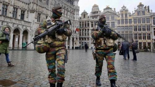 Nhiều thành phố Châu Âu hủy bắn pháo hoa vì sợ khủng bố - Ảnh 2.