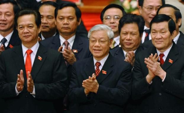 Các lãnh đạo đảng cộng sản Việt nam từ phải sang: Chủ tịch Trương tấn Sang, TBT Nguyễn Phú Trọng, Thủ tướng Nguyễn Tấn Dũng.