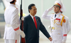 Thể theo nguyện vông của ông Dũng, Đại hội đã nhất trí để Thủ tướng không tái cử