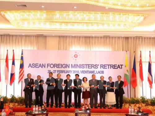 Phó Thủ tướng, Bộ trưởng Ngoại giao Phạm Bình Minh và các đại biểu tại hội nghị. (Ảnh: Phạm Kiên/Vietnam+)