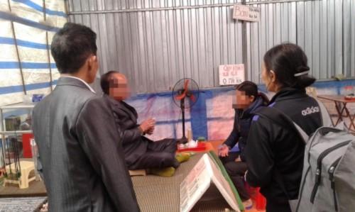 Xem bói chùa Hương: Tùy tâm nhưng… từ 50 nghìn - Ảnh 2