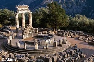 Người Hy Lạp cổ đại có truyền thuyết kể rằng ngôi Đền Tiên tri Delphi ở Hy Lạp kết nối các thầy tế với những thế lực huyền bí siêu nhiên vốn truyền thụ cho họ thông tin và công nghệ tiên tiến.