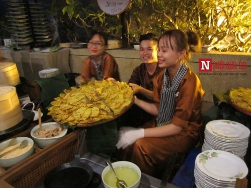 Chuyện người Tây mê mẩn ăn Tết Việt ở Đà Nẵng - Ảnh 10
