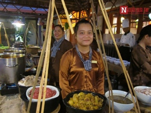 Chuyện người Tây mê mẩn ăn Tết Việt ở Đà Nẵng - Ảnh 13