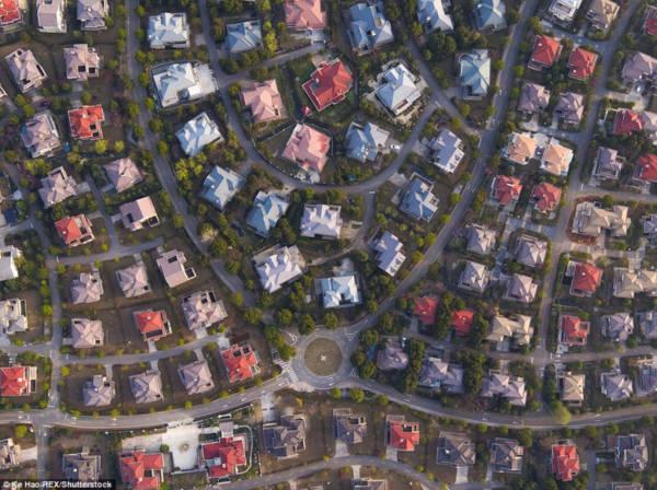Hoa mày chóng mặt với hàng nghìn căn biệt thự san sát ở Trung Quốc - Ảnh 2.