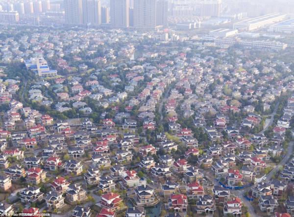Hoa mày chóng mặt với hàng nghìn căn biệt thự san sát ở Trung Quốc - Ảnh 3.