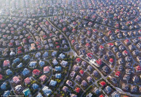 Hoa mày chóng mặt với hàng nghìn căn biệt thự san sát ở Trung Quốc - Ảnh 4.