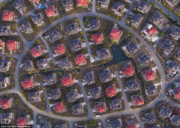 Hoa mày chóng mặt với hàng nghìn căn biệt thự san sát ở Trung Quốc - Ảnh 5.